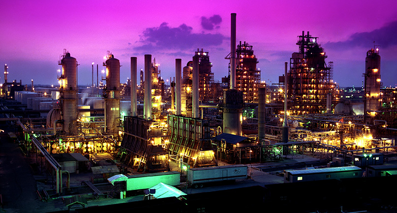 Refinery at Night Image